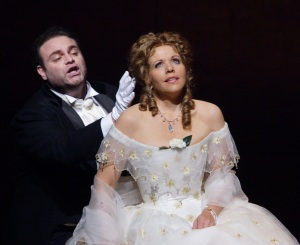 LA TRAVIATA-2314 254-CALLEJA AS ALFREDO&FLEMING AS VIOLETTA-(C)ASHMORE